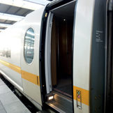 Optimised reliability of train doors